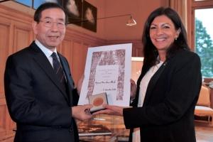 박원순 시장, 국내 정치인 최초로 파리시 '명예메달' 수상