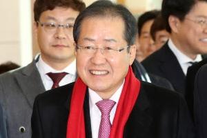 홍준표·김성태 '투톱'… 기반 확보·지방선거 준비 박차