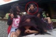 셀카 찍다 기차에 치인 10대 소녀의 기적 생존