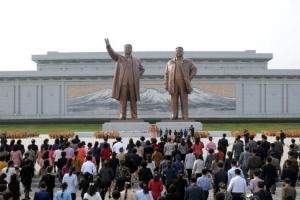 김정일 사망 6주기…북한, 대대적인 추모 분위기 조성