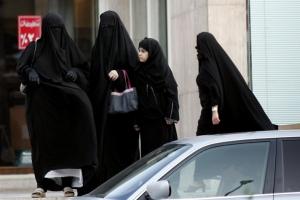 사우디에서도 여성 운전자, 여성라이더 볼 수 있다