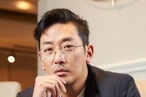 """""""우산 장수, 짚신 장수 아들 둔 엄마 심정"""" 하정우"""