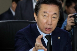 한국당, 방통위 방문…강규형 KBS이사 해임 논의에 항의
