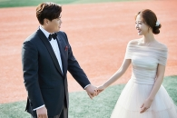 야구커플 류현진·배지현, 웨딩화보 공개