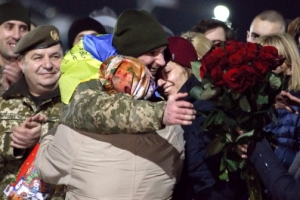 우크라이나 정부·반군 포로 300여명 맞교환