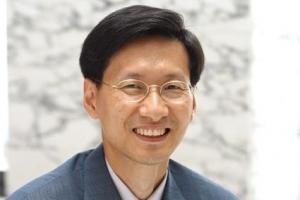 강규형 전 KBS 이사, 문 대통령 상대로 해임처분 취소소송