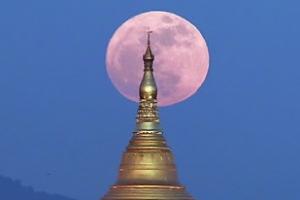 """새해 첫날 수퍼문 뜬다…""""보통 보름달보다 30% 밝아"""""""