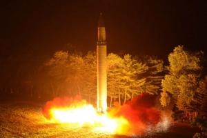 """""""북한 핵탄두 10~20개 보유, 최대 60개 생산 핵물질 확보"""""""