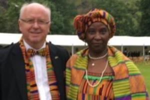 백인 교수와 가나 출신 부인 사진이 이끌어낸 따듯한 반응들
