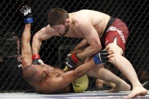 UFC 하빕 누르마고메도프, 바르보자에 3라운드 판정승…'무패 25연승'