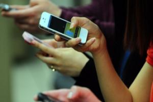 전세계 스마트폰 판매 처음 꺾였다…삼성 3.6%·애플 5%↓