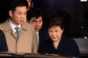 박근혜 전 대통령, 유영하에 40억 맡기고 접견 내내 미소