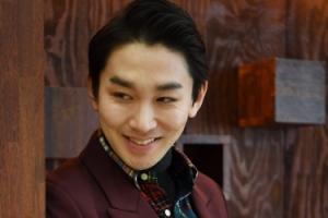 김호영, 무대를 뚫고 나온 이 남자의 존재감