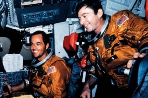 NASA 최장기 우주인 존 영, 별이 되다
