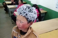 영하날씨에 매일 5km 걸어 등교하는 '눈꽃송이 소년'…