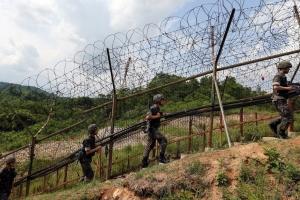 """작년 6월 중부전선 귀순병 """"철책 넘어 소리쳐도 국군 대응 없었다"""""""