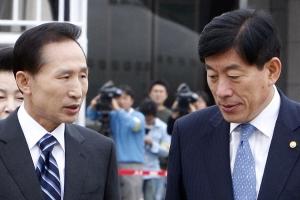 MB청와대 '국정원 특활비' 민간인사찰 입막음용에?…최측근 3인방도 5억 수수 포착