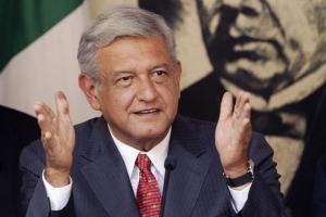 """'멕시코 트럼프' 대권 유력…""""세계 경제 위협할 리스크"""""""
