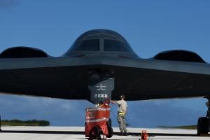 미군 B2 3대 괌 전진 배치, 남북회담 직전 배치 추가