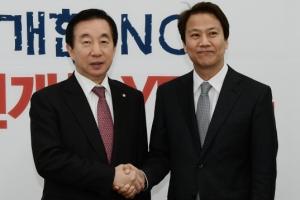 [서울포토] 악수 나누는 김성태-임종석