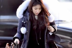 [포토] 오윤아, 트레이닝복+패딩만 걸쳐도 스타일리쉬한 공항 패션