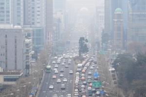 내일도 수도권 미세먼지 '비상'…차량2부제·대중교통 출퇴근 무료