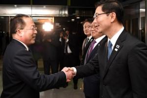 """천해성 """"여자 아이스하키 남북 단일팀, 남측 감독이 전권"""""""