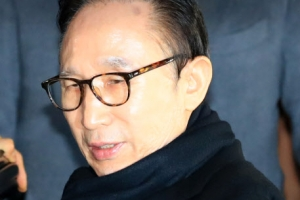 """MB측 """"우리라고 아는 게 없겠나"""" '盧정부 파일' 거론…반격 태세"""