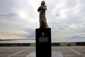 """침묵 깬 두테르테 """"위안부 동상은 마닐라의 자유"""""""