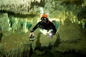 347㎞ 세계 최장 수중동굴 발견