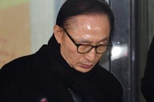"""김희중 """"김윤옥 여사측에 국정원 돈 10만달러 전달"""""""