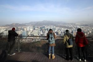 [포토] '오늘은 좀 보이네'…서울, 미세먼지 보통 수준 회복