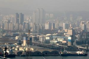 '숨 막히는' 남서부…부산·경남, 초미세먼지 농도 치솟아