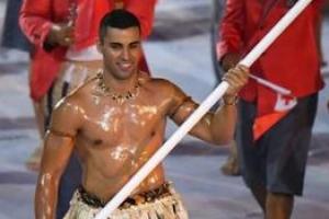 리우올림픽 '알몸 입장' 통가 기수, 평창 개회식에선 어떤 세리머니?