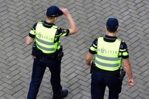 가난한 청년이 비싼 옷 입으면 조사해서 압수…로테르담 경찰 논란