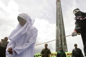 인도네시아, '미혼 성관계 동성애 불법' 형법 개정 논란