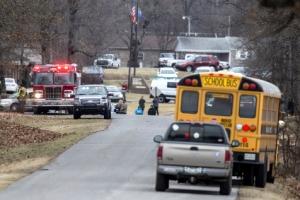 미 켄터키 고교서 15세 학생이 총기난사…2명 사망·17명 부상