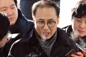 [서울포토] 질문에 답하는 MB 조카 이동형 다스 부사장