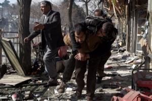 아프간 카불 '구급차 폭탄 테러'… 최소 103명 사망·235명 부상