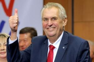 친러 제만 체코 대통령 결선투표서 연임 성공