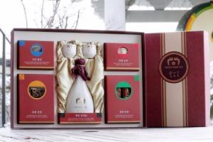[포토] '평창 서주' 담긴 문재인 대통령의 설 선물 세트