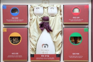 靑 포항 이재민 등 설 선물 평창 서주·포천 강정 담아