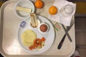 3~4일 전 조리음식 데워 주는 '미식의 나라'의 불량 학교급식