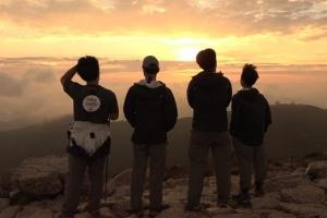 '나 '를 찾아 산으로 간 위기의 청소년들