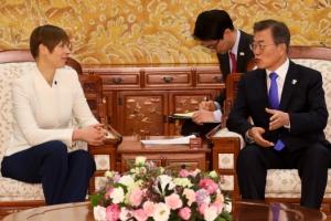 文대통령, 김영남 면담 때 北대표단원들 함께 만날 듯