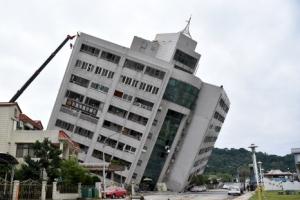 """""""대만 지진, 역대급 규모…2주간 강한 여진 계속"""""""