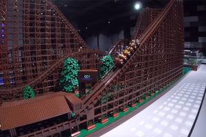 레고 조각 9만 개로 만든 롤러코스터