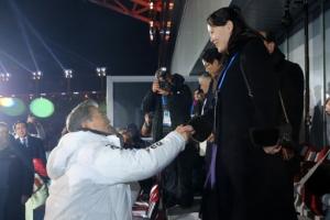 文대통령, 개회식서 김여정과 짧지만 의미있는 첫 만남… 美·北 접촉은 불발