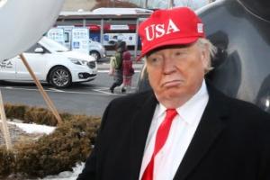 평창 개막식 김정은·트럼프 분장해 나타난 외국인 정체