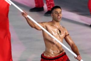 근육질 통가맨, 2020 도쿄올림픽엔 수영으로 도전?